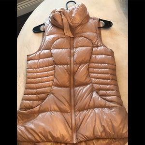 Blush lululemon vest size 2.